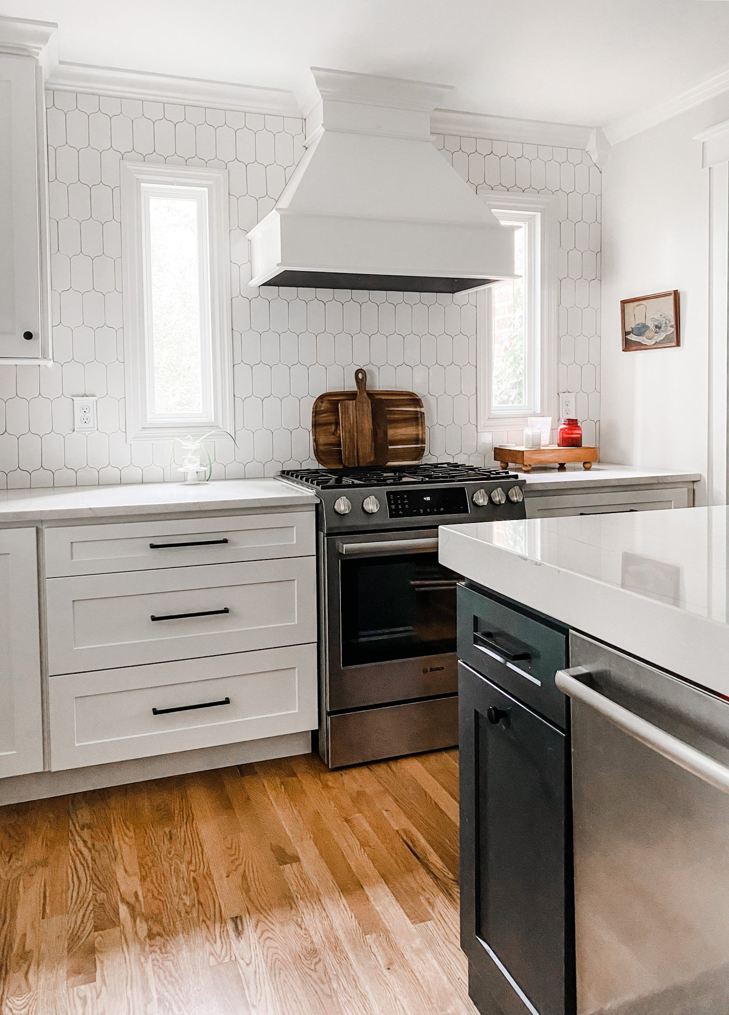Elle by Cambria mitered counter top
